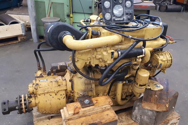 Catepillar 86 hp merimoottori PRM310 vaihteella
